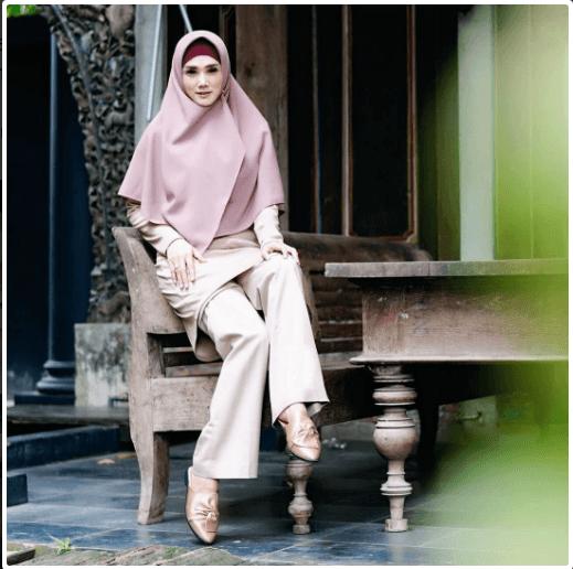 Mulan Jameela Berhijab Syar I Dan Rajin Mengikuti Kegiatan Pengajian